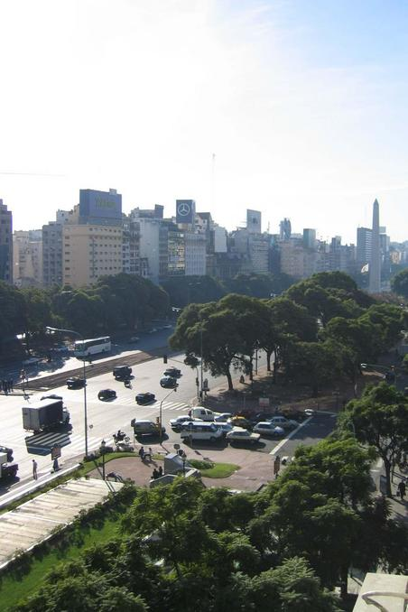 Avenida 9 de Julio with obelisk