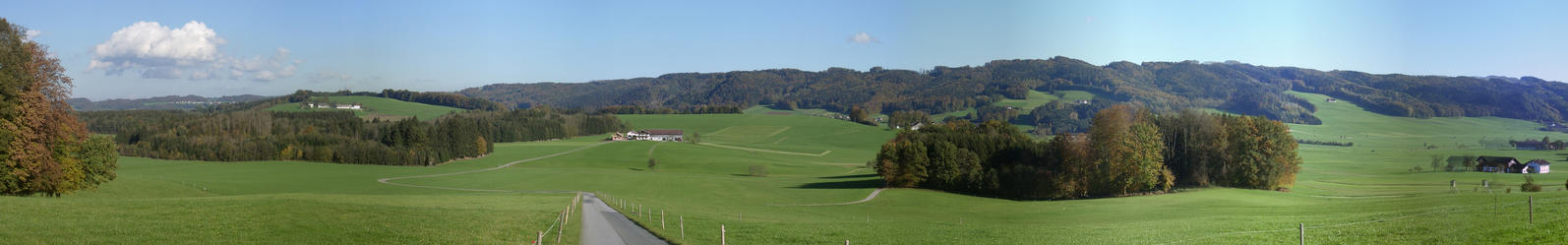 After leaving Riedlkam - view to east, to the village of Reitsberg