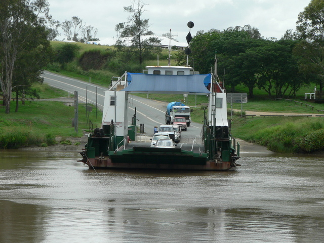Crossing the Brisbane River on the Moggill Ferry