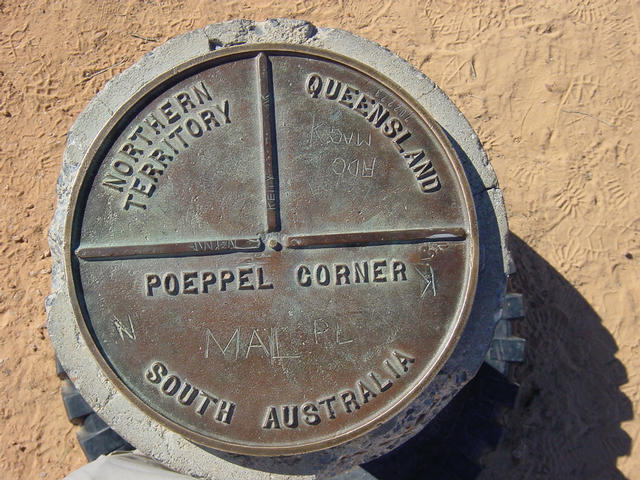Border marker at Poeppel Corner