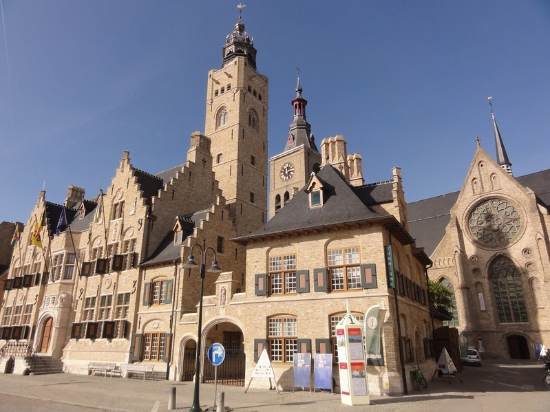 Dixmude town hall