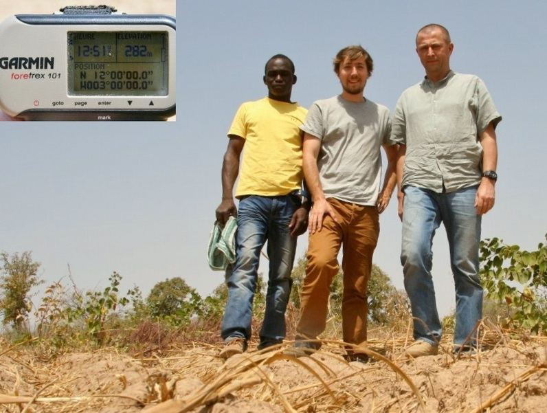Our team: Jean-Luc, Bertrand and Soumaila, and the zeros on the GPS