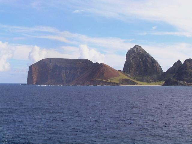 The southeastern tip of Ilha da Trindade is partly green