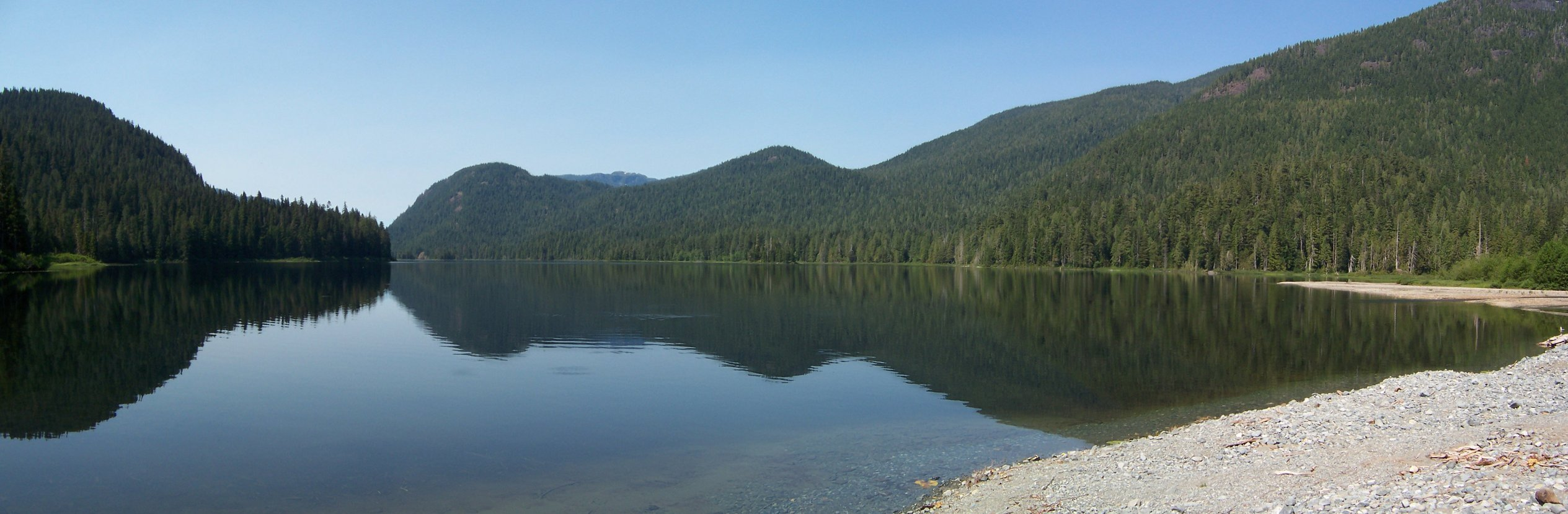 panorama of Gold Lake