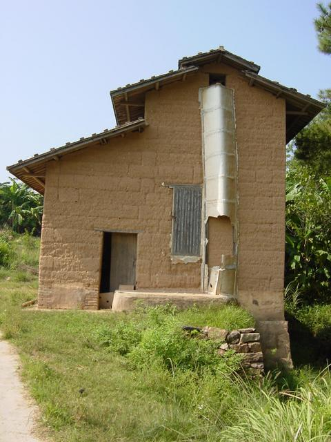 Mud-brick building used to store firewood, coal briquettes and roof tiles, providing a private place to change into cooler clothes