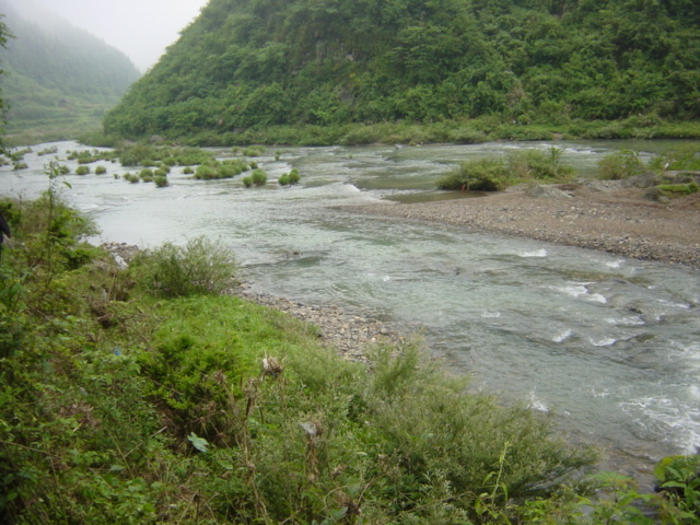 River confluence, where the Dafuxi (foreground) flows south into the Niuchehe