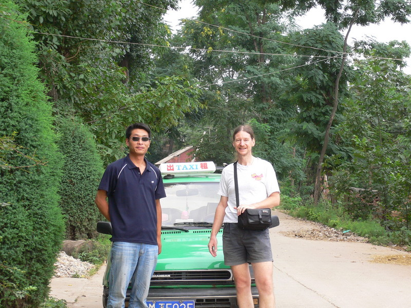 Targ and our taxi driver in Xiàliǔ Village