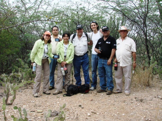 THE HUNTER TEAM. ROSALDA, TAVEL, EVA, ME, RICARDO, HECTOR AND REINALDO