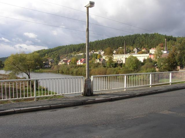 The Berounka river with Rückl Glass Factory in background (a view from the bridge to NW; confluence is 250 from here).