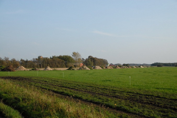 The nearby farm / Der nahegelegene Bauernhof
