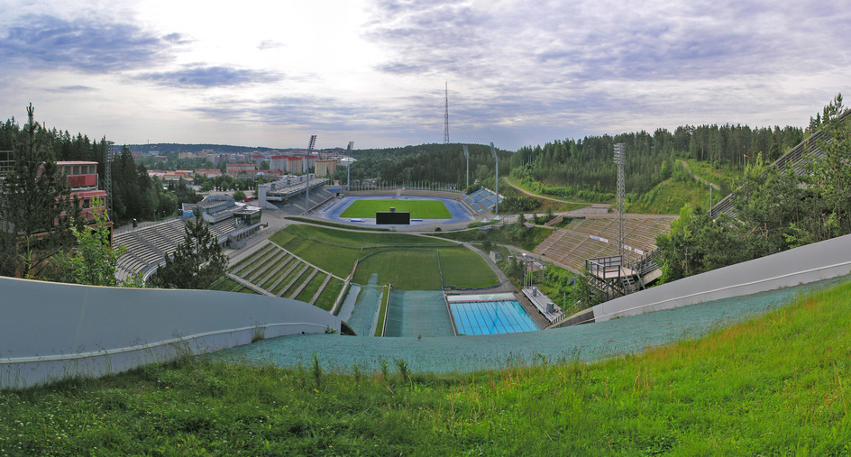 The Lahti ski jump hill: Plastic on the left for summer jumping, a 50m swimming pool on the right!