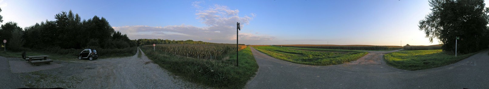 360-degree panorama from the bike path 30 m from the point