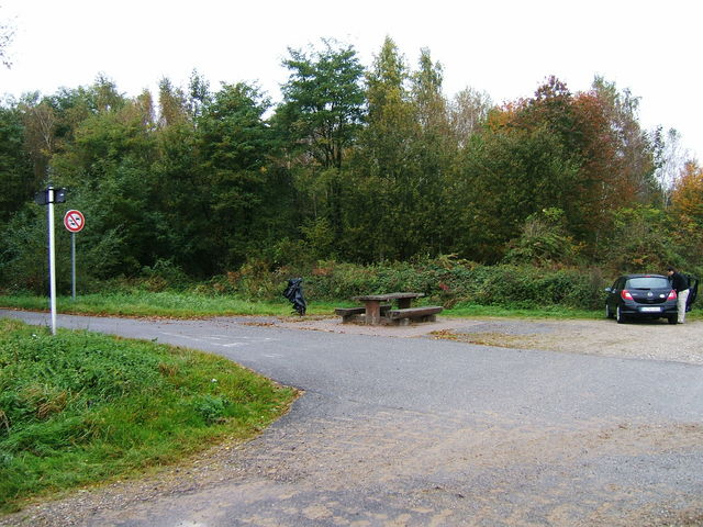 A roadside rest area 30 m south from the confluence point