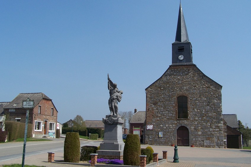 Place du Petit Versailles in the nearby village of Clairfontaine