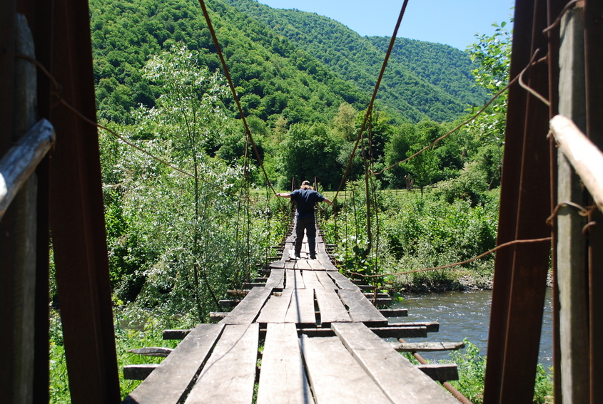 The bridge at the start of the hike