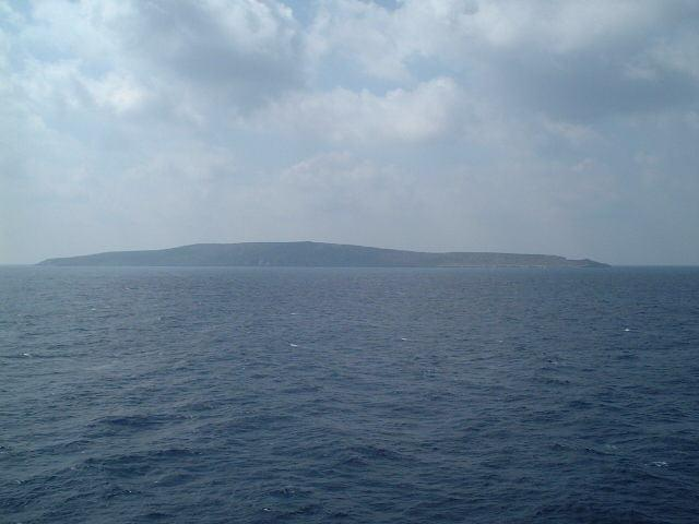 Ghavdopoúla Islet seen from the confluence towards South