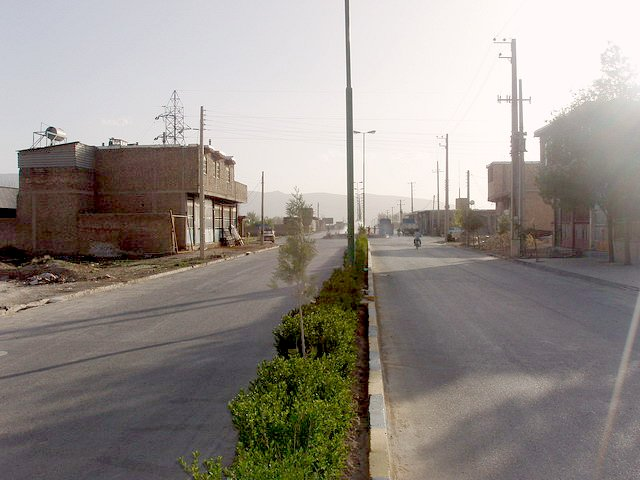 General view of the Confluence on Seyyedān's main road
