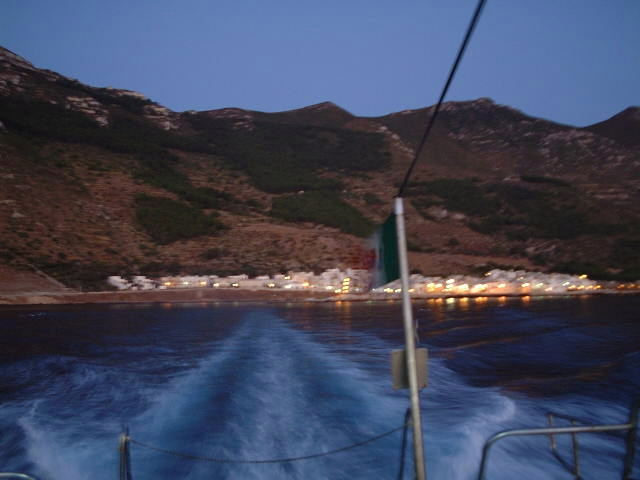 Morning departure from Marettimo - Partenza all'alba da Marettimo