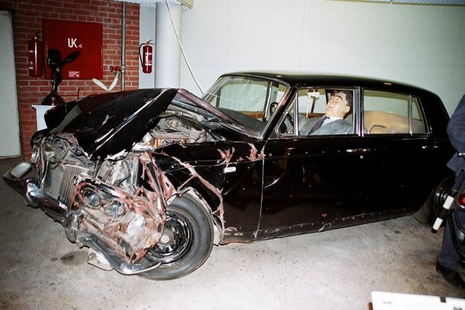 3756643796 likewise 1949 20Lincoln moreover 1965 LINCOLN CONTINENTAL LIMOSINE also 60lih additionally Lincoln Aviator Engine. on lincoln continental