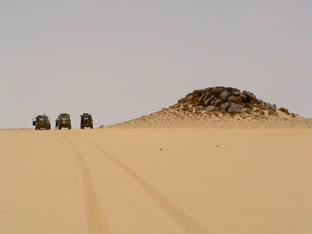 Landy tracks in the sand
