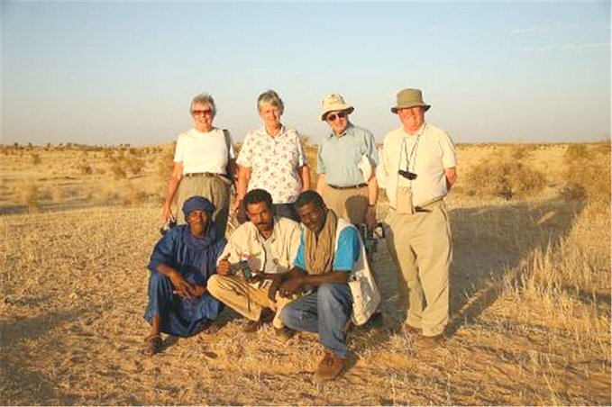 Group photo (Howe-Kelley-Lees) on site, with Tuareg guide and drivers
