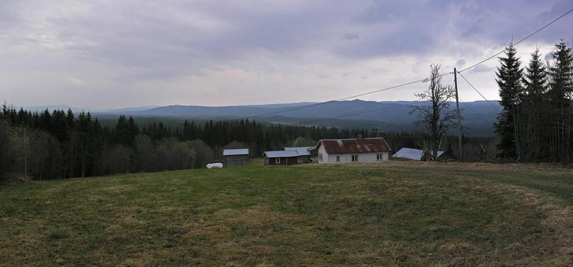 Gråberget farm with the confluence area in the background