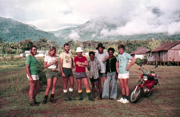 Our group of six with two local fellows at Garaina, with the Bu Bu River valley behind to the south.