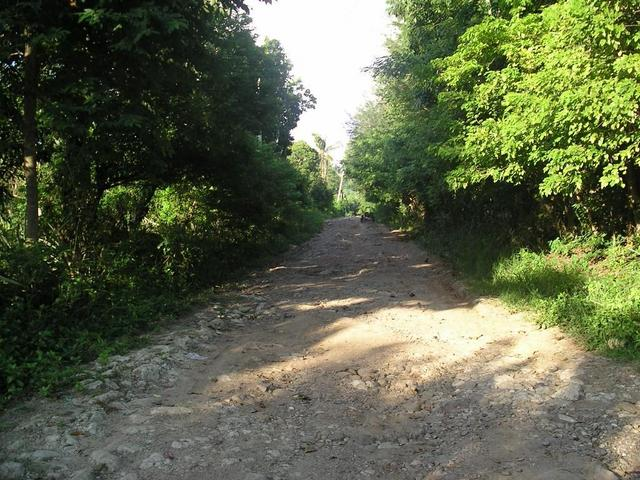 Unpaved road/trail beyond Nangkal towards Confluence about 3 miles ahead.