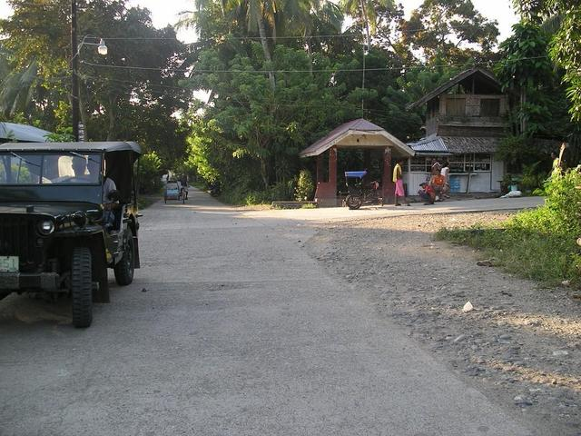 Straight ahead to Tulungatung, Baluno to the right.