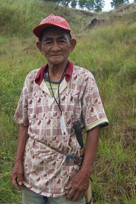 The 3rd man in the confluence: Victor Soltero, an 84-year old native from Benguet helped us as guide.