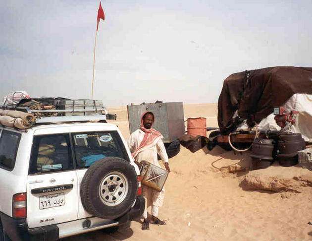 The last fuel station at Nadqān was simple to say the least. The fuel was gravity fed from an old tanker that had been dumped on top of a sand dune. The fuel went into a jerrycan and then was poured into the vehicle.