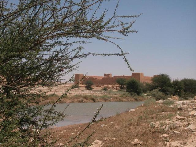Abū Jifān Fort in all its majesty