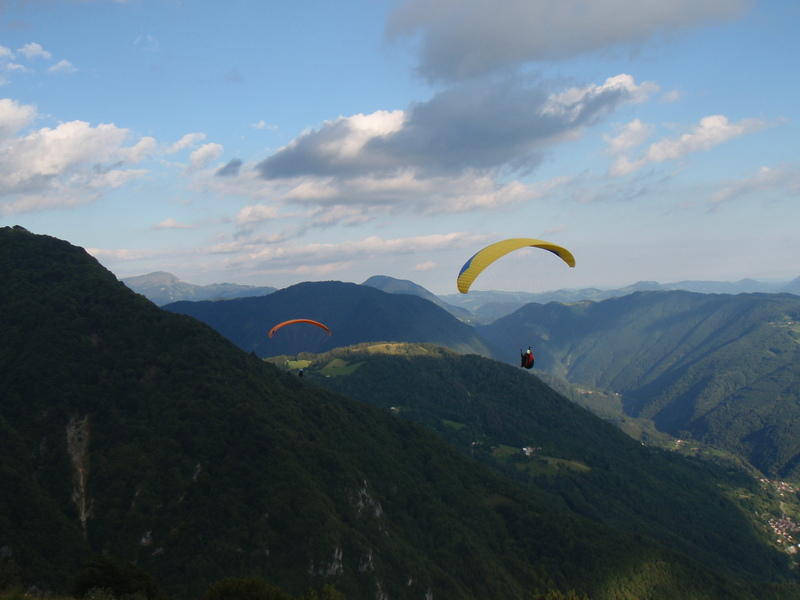 paragliding in Tolmin