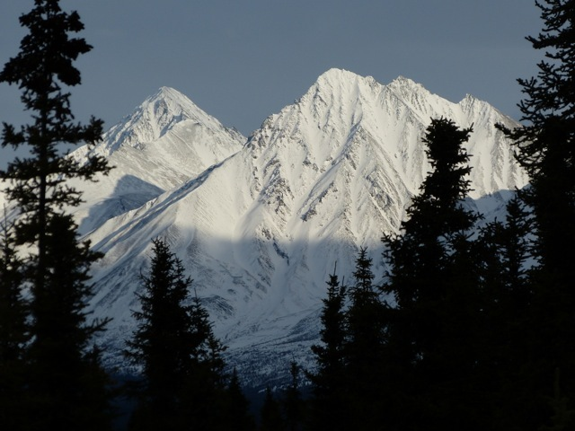 looking east at some of the Alaska Range mountains...