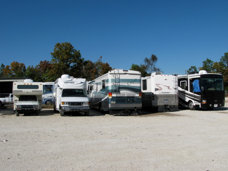 "RV's on the ""American Pro"" lot"