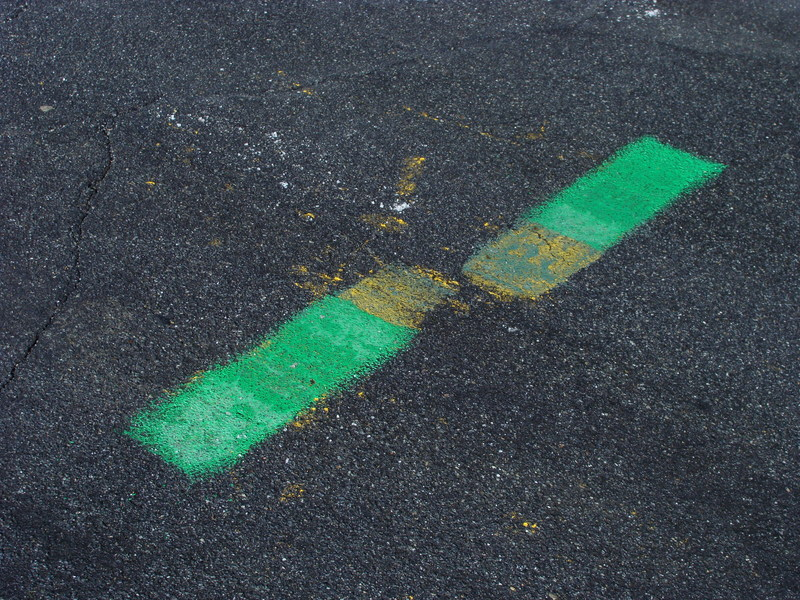 Are these green lines in the middle of Milebrook Road supposed to mark 42N 71W?