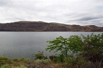 #1: The confluence point is about 0.4 miles away, in the Columbia River