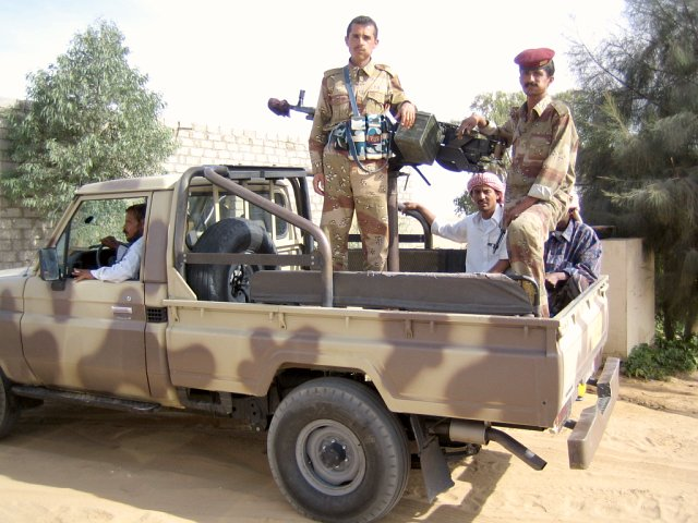 Army escort on the way to Ma'rib