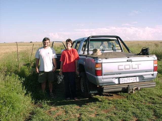 Peet and Hannie at the bakkie